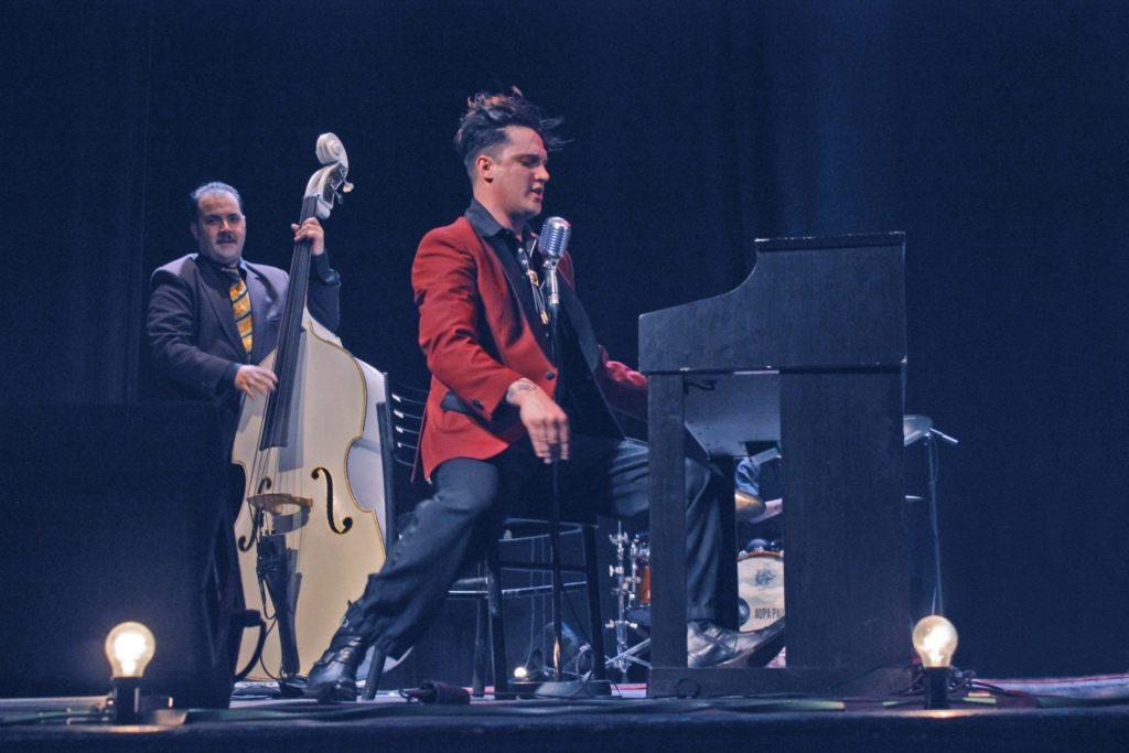 Enma Fernández Band en La Cachorra yeyé